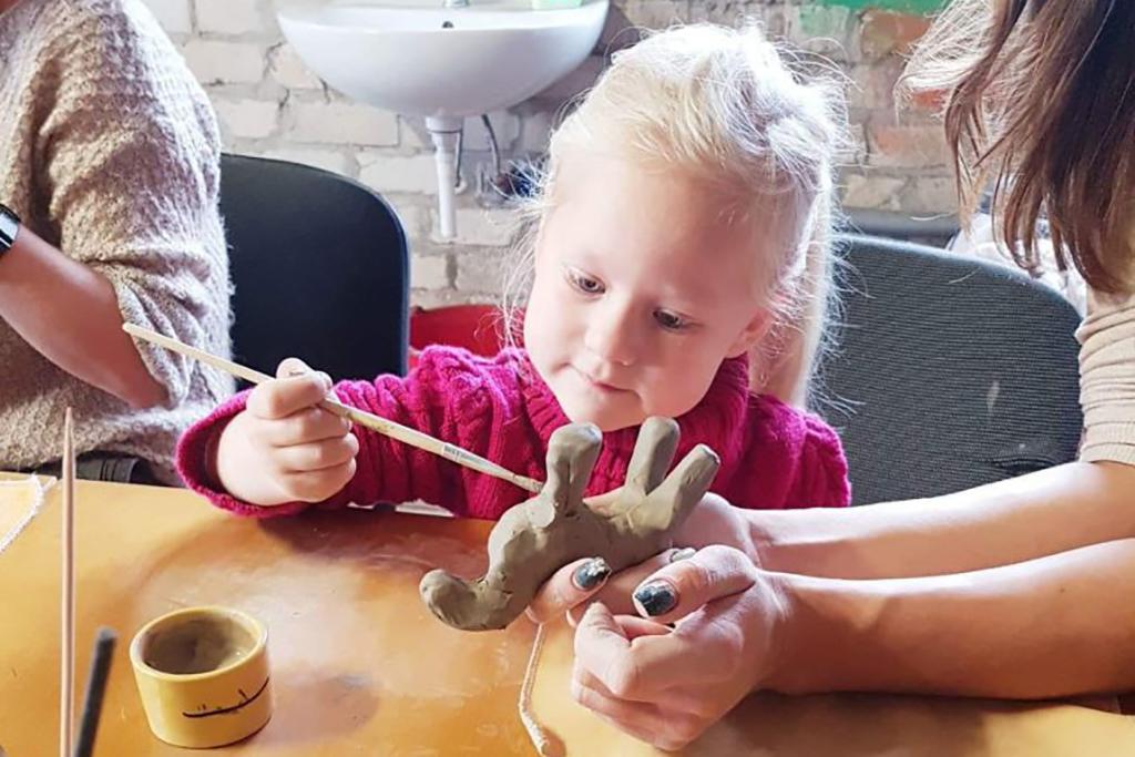 Stovykla ADI keramikos studijoje