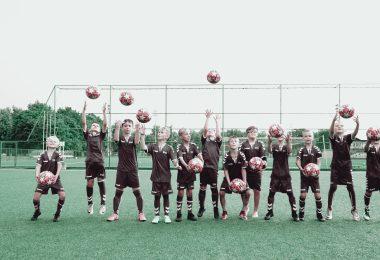 Kodėl vaikams verta lankyti futbolo treniruotes? Atsako BE1 futbolo akademijos treneriai